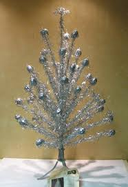 Pom Trees 367 Best Aluminum Christmas Trees Images On Pinterest Retro