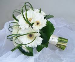 gerbera bouquet wedding flowers classic wedding bouquets basic