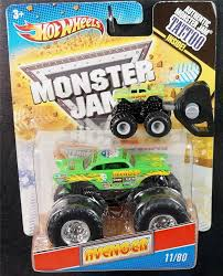 monster trucks grave digger crashes wheels lot of 2 monster jam monster trucks green avenger 1 64
