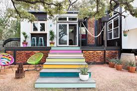 splash of hue tiny house in austin by kim lewis lonny