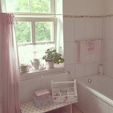 Shabby Chic Bathroom Ideas by Best 25 Shabby Chic White Ideas On Pinterest Shabby Chic Homes