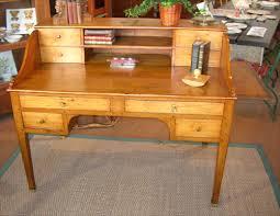 bureau ancien ancien bureau de style cagnard en peuplier
