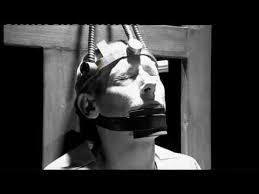 execution chaise electrique humain exe l homme est un loup pour l homme