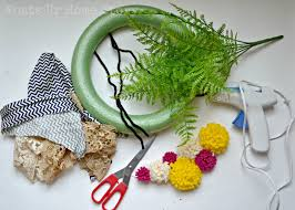 make a cool wreath from fabric scraps