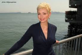 samantha mohr 2015 hairstyle samantha mohr weather channel wxia hln cnn weather short haircuts