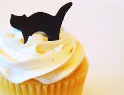 halloween headquarters u2013 black cats on vanilla cupcakes