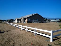 ranch style ranch style vinyl fence high desert all american fence erectors