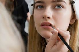 Professional Makeup Artistry 5 Pieces Of Advice From Professional Makeup Artists Makeup Com
