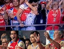 5 Deepika Padukone Controversies That Stunned Bollywood - siddharth mallya is seen kissing ruling bollywood queen deepika