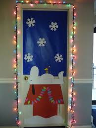 Home Depot Christmas Decoration Ideas by 58 Snoopy On House Red Door Christmas Decorating Santa S Workshop