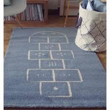 tapis de chambre enfant tapis chambre de bébé marelle