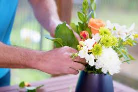 Arranging Flowers how to make a floral arrangement centerpiece fiskars