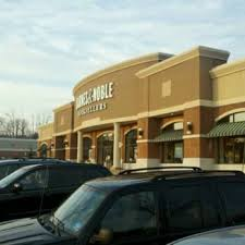 Barnes And Noble Starting Pay Barnes U0026 Noble Booksellers 19 Reviews Bookstores 1940 Rt 10