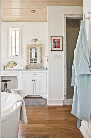 Staged Bathroom Pictures by 7 Beach Inspired Bathroom Decorating Ideas Southern Living