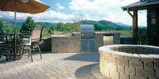 Belgard Fire Pit by Like The Fire Pit Also Like The Combination Of Heights Of Wall
