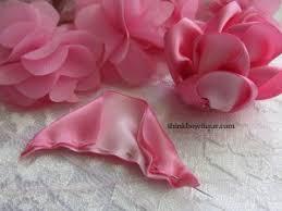 satin ribbon flowers make satin ribbon roses think bowtique