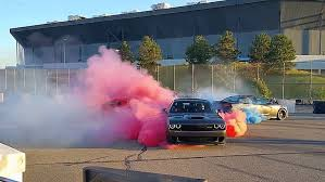 charger hellcat burnout this viper vs hellcat vs hellcat tug of war burnout is more