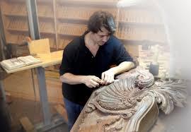 custom wood carving grabovetskiy master wood carver