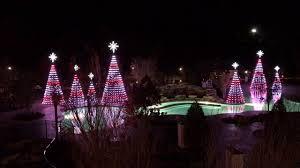 dollywood christmas lights 2017 dollywood dreamore resort christmas light show 2016 youtube