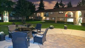 outdoor sitting area the arches apartments sunnyvale 1235 wildwood ave