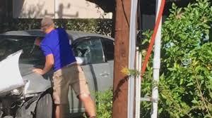 watch witnesses break alleged thief u0027s car windows in river oaks