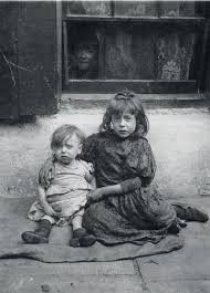 old picz poor families during the victorian era
