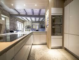 cuisine dans maison ancienne beautiful cuisine ouverte maison ancienne photos design trends