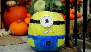 Minion Halloween Outdoor Decorations by Minion Pumpkin Tutorial