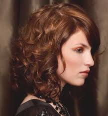 Frisuren Kurze Haar Locken by Best 25 Schulterlange Haare Locken Ideas On