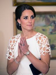 princess diana s engagement ring kate middleton dazzles in lela rose and diana u0027s favorite designer