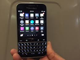 android phone with keyboard blackberry is set to launch two new android phones later this year