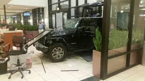 Window Repair Baton Rouge Jeep Crashes Into Sacred Heart Hospital Er Wafb 9 News Baton
