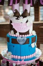 i love those little cowgirl boots cakes pinterest cowgirl