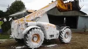 Siege De Tracteur Ancien Comment Nettoyer Son Tracteur Agrimat Est La Solution Youtube