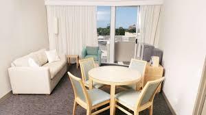 Wohnzimmer 20 Qm Einrichten 13 Ideen Wie Sie Ein Kleines Wohnzimmer Mit Essbereich Einrichten