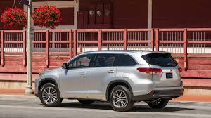 toyota highlander 2017 toyota highlander quick take family champ but where u0027s the
