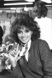 holly berry hairstyles in 1980 halle berry style icon halle berry pinterest berries halle