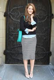 casual pencil skirt fashionable ideas for work days in fall black jumper