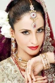 Red Bridal Dress Makeup For Brides Pakifashionpakifashion Learn Pakistani Bridal Makeup Tips Pakifashionpakifashion