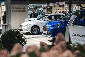youtube lexus amazing in motion rc f carbon catwalk fashion shows and oculus rift lexus at the