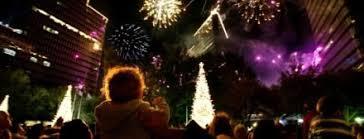 lighting fireworks uptown houston every thanksgiving