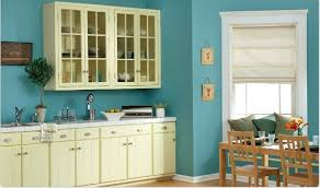 Blue Yellow Kitchen - there and back with kitchen cabinets