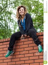 fille originale sur le mur photo stock image 41946272