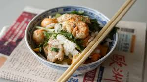 cuisiner les langoustines wok de porc crevettes et langoustines recette de wok terre mer
