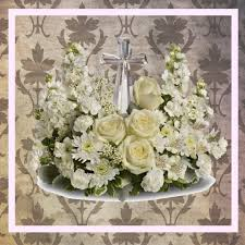 cheap funeral flowers inexpensive funeral flowers can still be beautiful enchanted