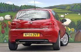 alfa romeo hatchback alfa romeo 147 hatchback review 2001 2009 parkers