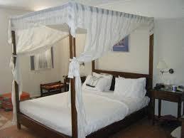 chambre lit baldaquin chambre lit baldaquin picture of xenones filotera imerovigli