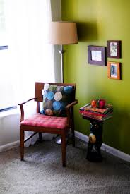 Accent Walls In Living Room by Green Accent Wall The Doodle House