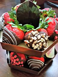 make her day with the mother u0027s day signature berry box from edible