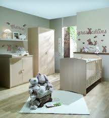 chambre de bébé autour de bébé mobilier table autour de bebe chambre